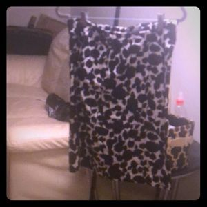 Black and white floral pencil skirt NWOT